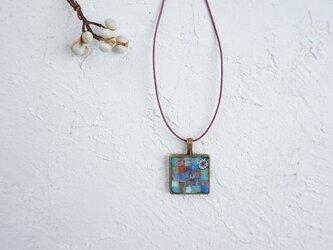 ガラスモザイクネックレス サファイアグリーン・ピンクの画像