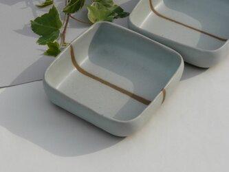 土灰の角鉢の画像