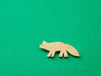キツネ / 狐 木のブローチの画像