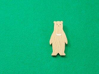 ツキノワグマ / クマ 木のブローチの画像