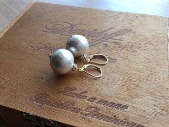 【pebble Ammi】 Vintage big paper pearl フレンチフックピアスの画像