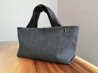 アンティーク加工の帆布に革の持ち手バッグ(ブラック)の画像