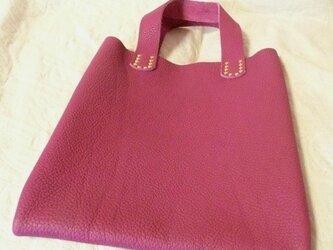 """【受注再販】""""トリヨン・落ち着いた赤紫系統""""手縫い薄まち手提げバッグの画像"""