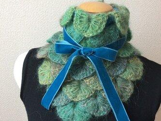 うろこ編みのサンカクミニマフラー グリーンの画像