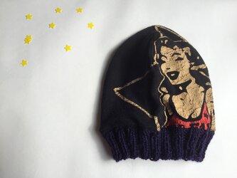 スターな気分のニット帽(リバーシブル)の画像