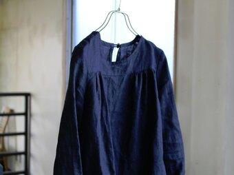 【black linen】フレンチリネン*ベル・スリーブ袖ブラウスの画像