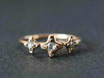 K10 ローズカットダイヤモンドの3連モチーフリングの画像