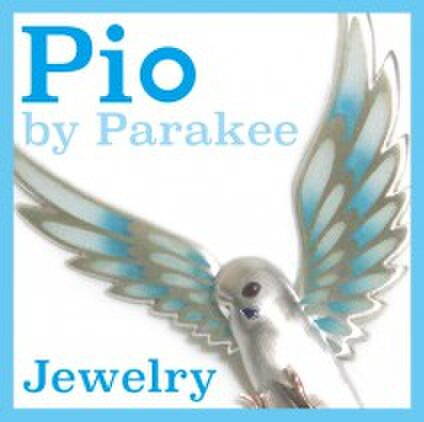 Pio by Parakee