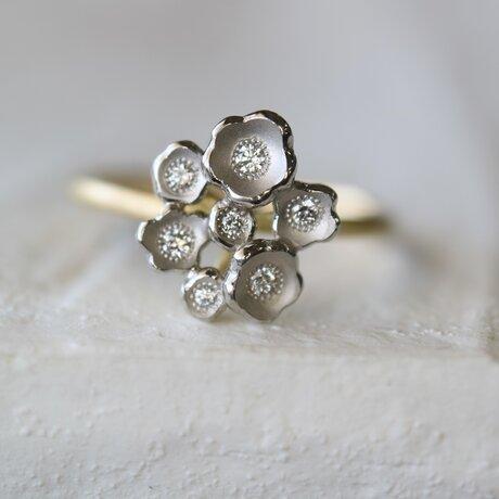 かすみ草のダイヤモンド指輪の画像