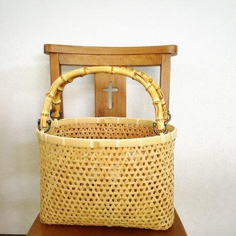 鉄線編みかごバッグの画像