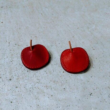 りんごのブローチの画像