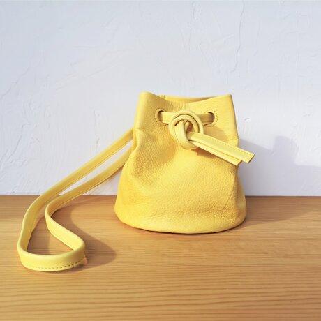 草木染め鹿革の巾着バッグ やまももの画像