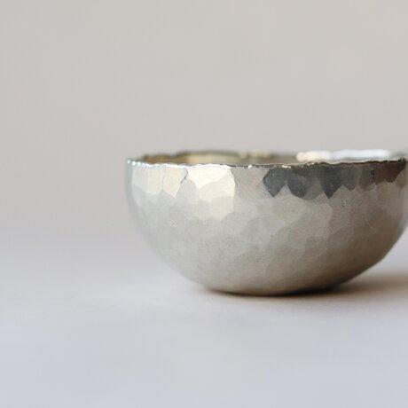 ころりとした錫の器 [ 錫杯 ]の画像