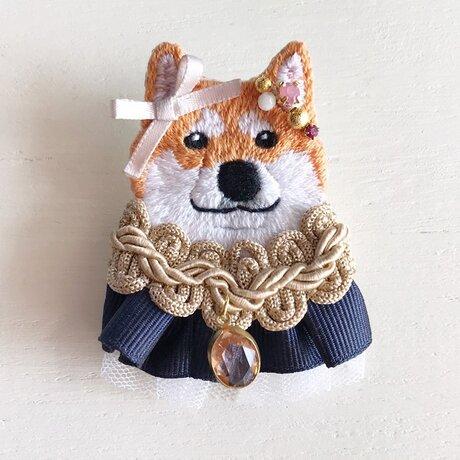 高貴なお犬様刺繍ブローチ3の画像