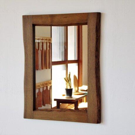 ニレ神代(埋れ木)の鏡の画像