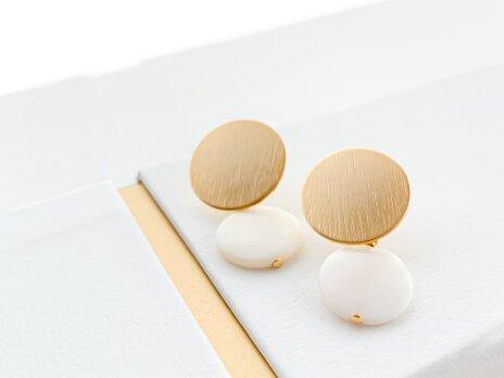 Matte gold circle shell pierce/earringの画像