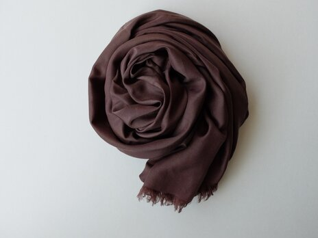 【new】enrica cottonsilk scarf coffeechocolate / botanical dyeの画像