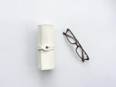 巻物メガネケース 白の画像