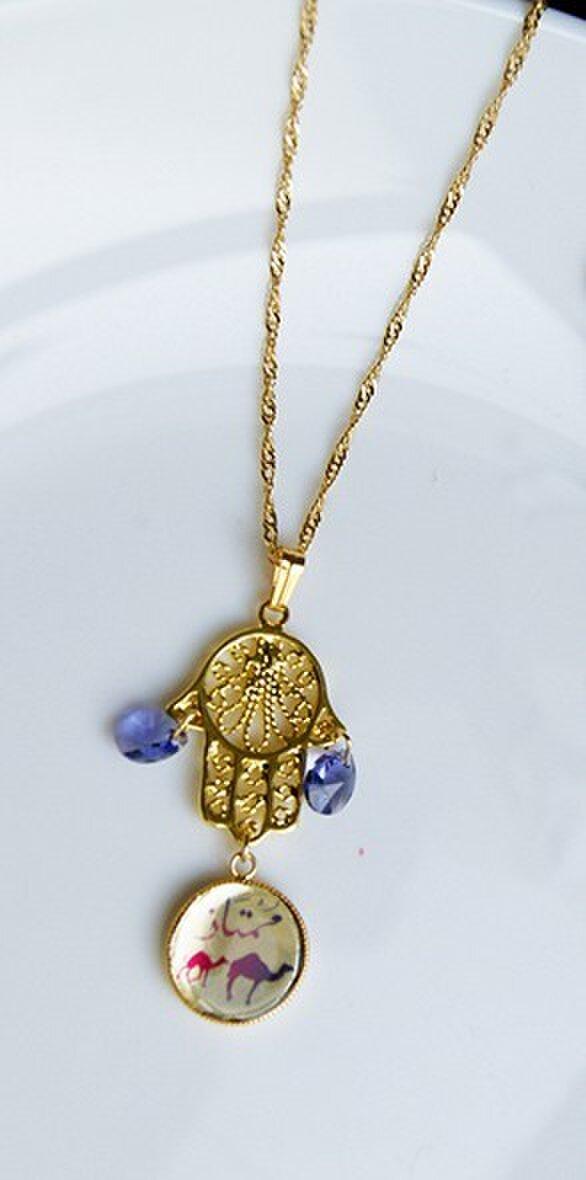 ハムサ(ファティマ)の手の金のネックレスの画像1枚目