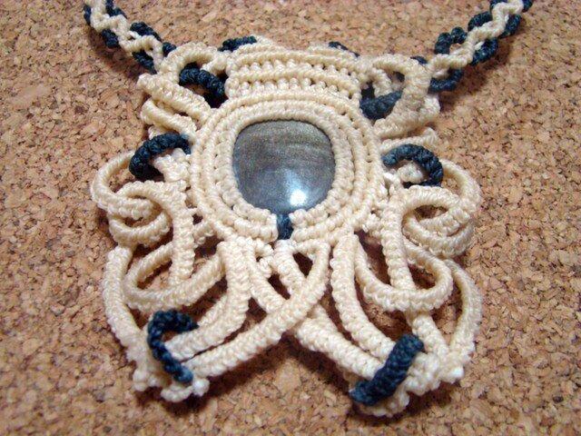 天然石ゴールドオブシディアン マクラメ編みネックレスの画像1枚目