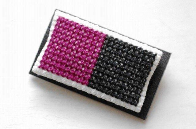 四角x2のブローチ / 紫x黒の画像1枚目