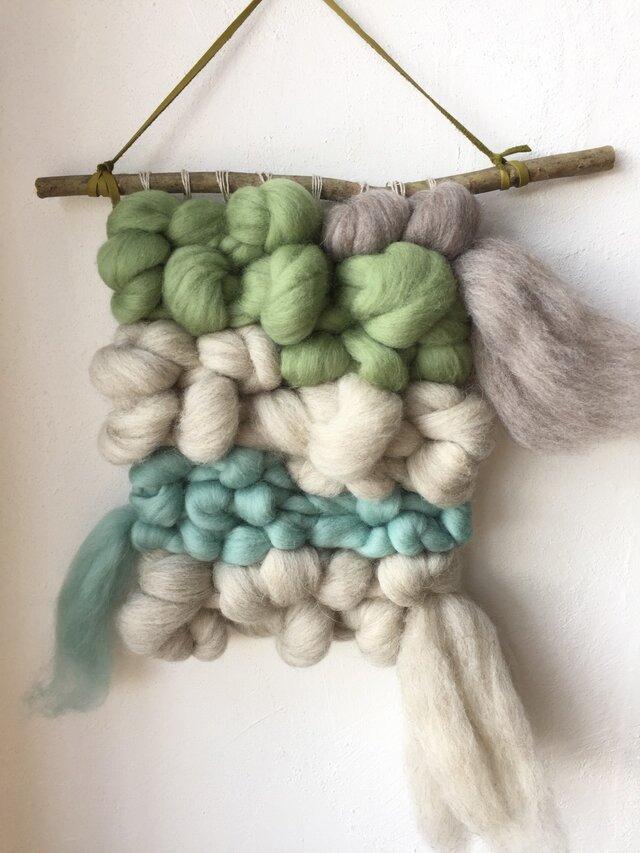 モコモコ羊毛のウォールハンギングの画像1枚目