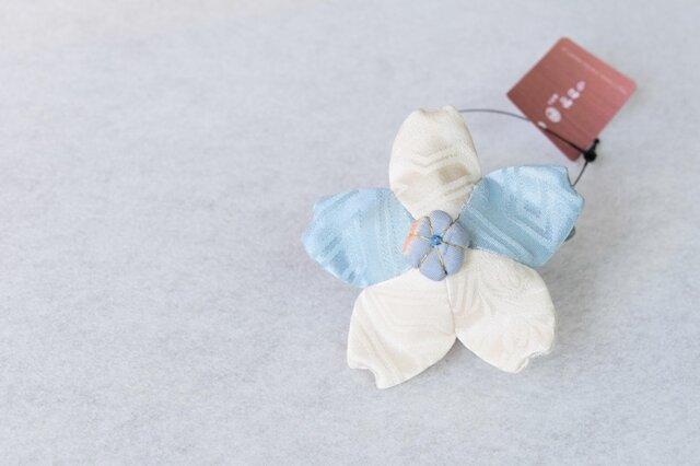 小さな巾着袋/みこ花「みずいろ」(花軸色:みずいろ)mi-3b/リメイク着物の画像1枚目