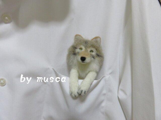 ポケットブローチ<オオカミ>の画像1枚目