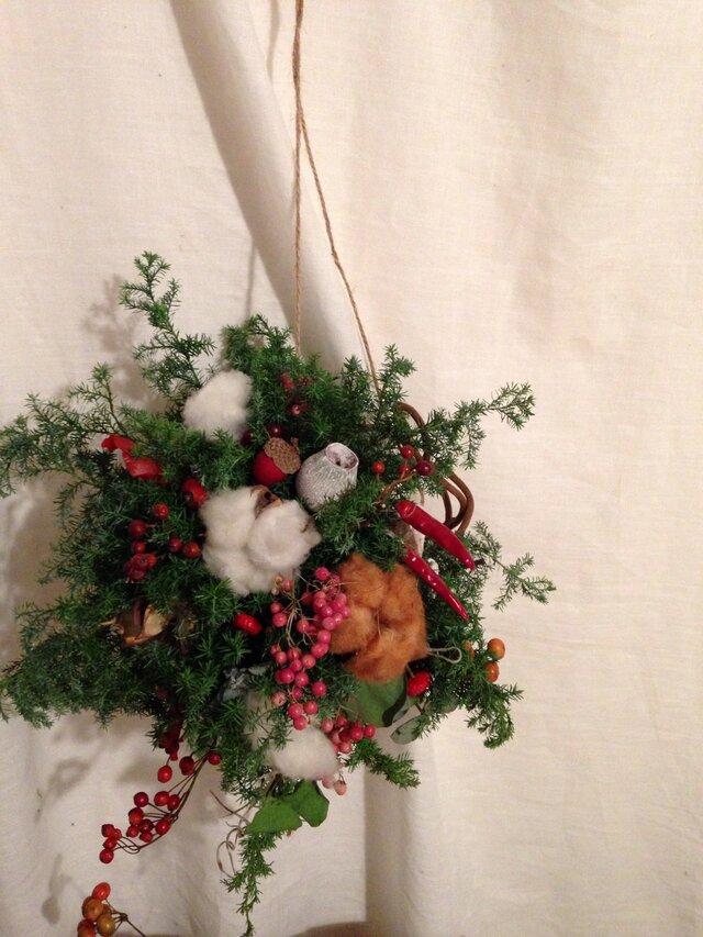 吊るして楽しいクリスマスボールの画像1枚目