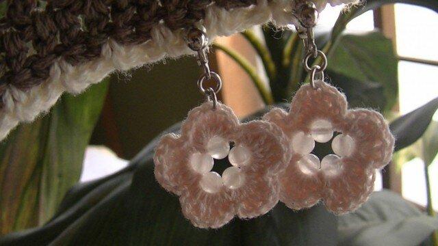 手編み*桜色のローズクウオーツのイヤリング♪の画像1枚目
