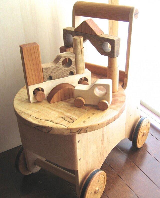 森のクマさんFa'の小さなイス【受注制作】積み木付きの画像1枚目