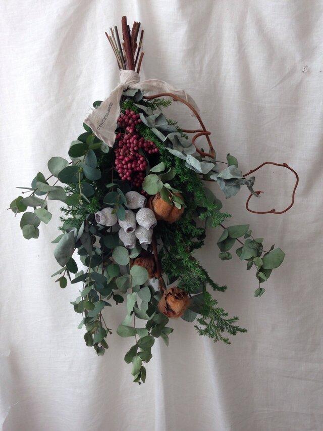 冬のスワッグ  実は変わらない色の画像1枚目
