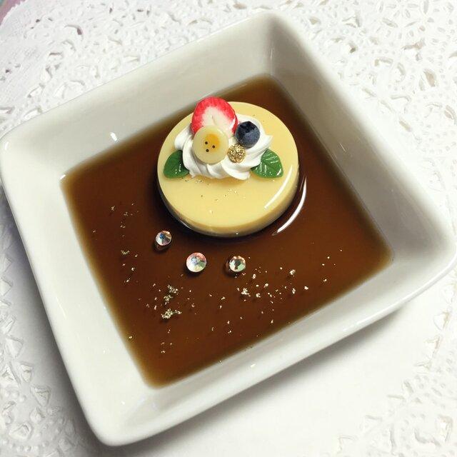 再販♪プリンアラモードケーキのアクセサリートレイの画像1枚目