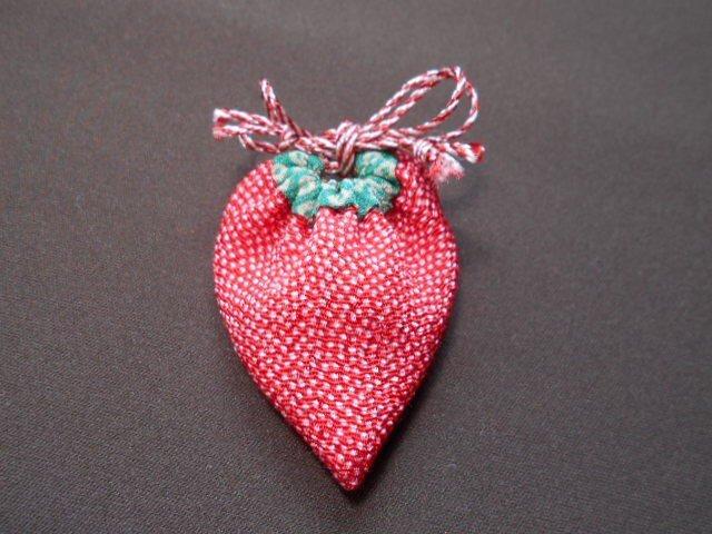 いちご袋*赤鮫小紋の画像1枚目