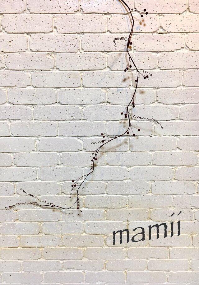 枝の壁飾り(赤い実)の画像1枚目