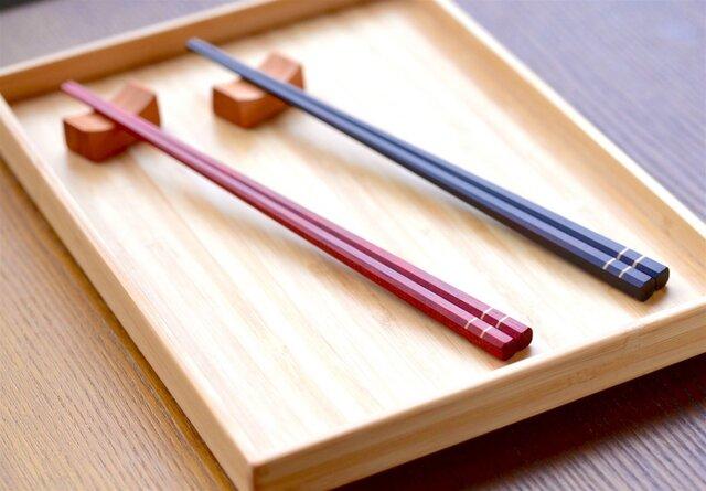 【木製】カチッとした夫婦箸:赤と黒の画像1枚目