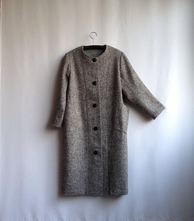 ゆったりなのにすっきり 衿なしコートドレス  ウールツイードの画像1枚目