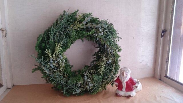 フレッシュグリーンのクリスマスリースの画像1枚目