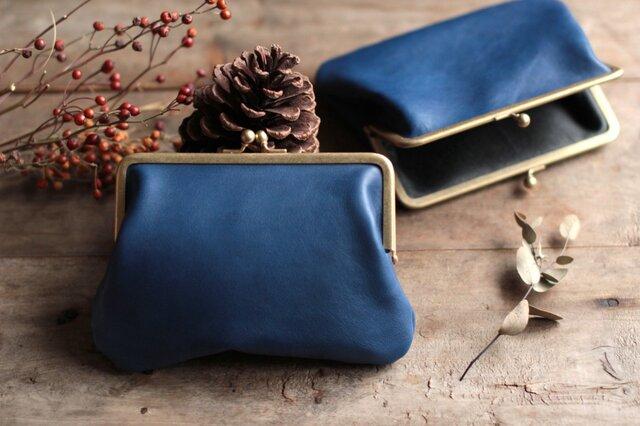 藍染革[migaki] 真鍮金具15mm がま口ポーチの画像1枚目