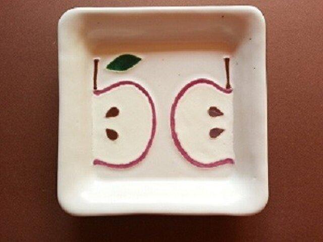 ガラス絵皿 四角 リンゴの画像1枚目
