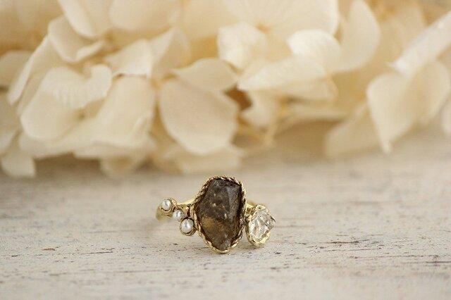 真鍮 ゾイサイト原石とクリスタルのリングの画像1枚目