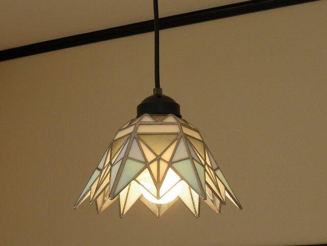 ペンダントライト プリズム・ホワイト(ステンドグラス)天井のおしゃれガラス照明 Lサイズ・7  の画像1枚目