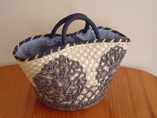 かぎ針編みフラワーモチーフの夏バッグ【ライトグレー】の画像1枚目