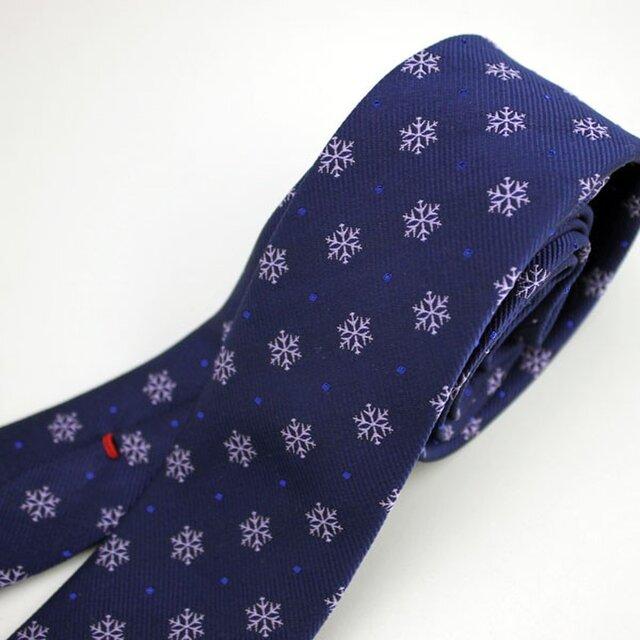 雪の結晶柄/ハンドメイドネクタイ・受注制作の画像1枚目