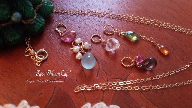 クリスマス☆宝石質天然石チャーム5点+14gfネックレスの画像1枚目