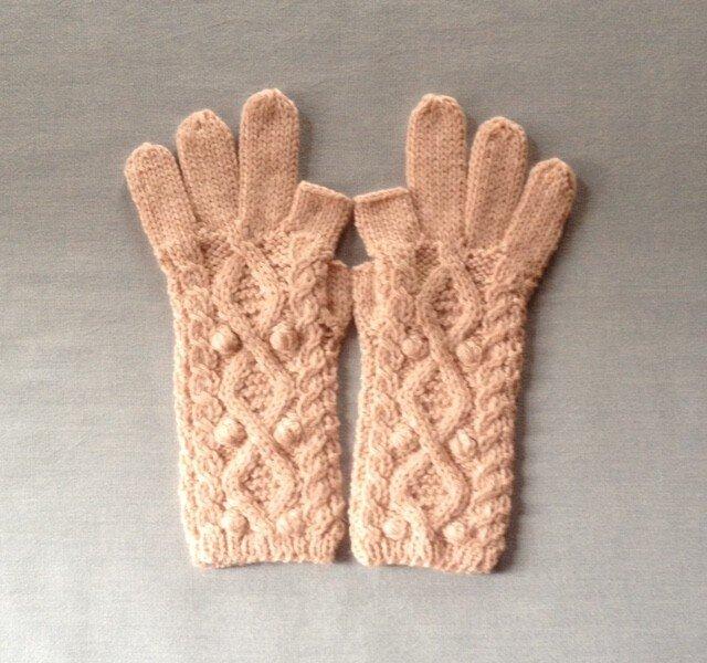 【受注後製作】手袋アルパカ×ラムウール淡いピンク系の画像1枚目