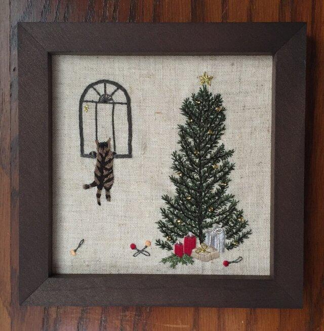 フレーム クリスマスの猫(ツリー)の画像1枚目