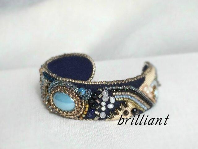 ビーズ刺繍 バングル ブルーの画像1枚目