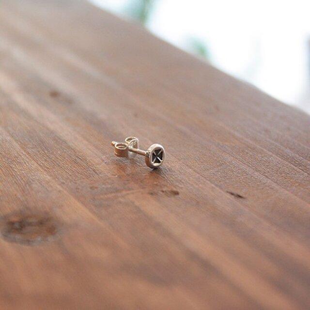 針突(ハジチ)刻印耳飾片耳マンダマーナ(四弁花紋) rpc-45の画像1枚目