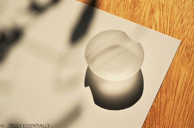 2個セット ● 無色透明ガラスの箸置き -「 The Vessel of Light - 月明かりの器 」の画像1枚目